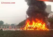 Mercedes gây tai nạn liên hoàn, bốc cháy dữ dội, 1 người tử vong