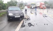 Va chạm liên hoàn 4 xe ô tô trên cao tốc Nội Bài - Lào Cai